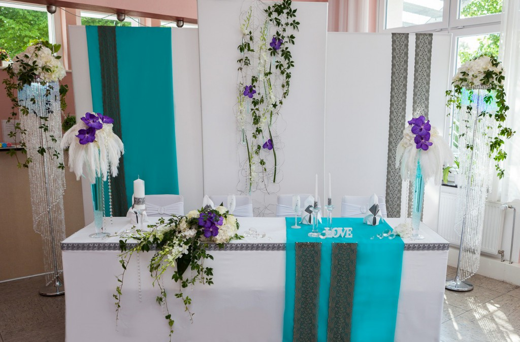 Hochzeitmotto federn vanda deko und floristik Dekoration leihen