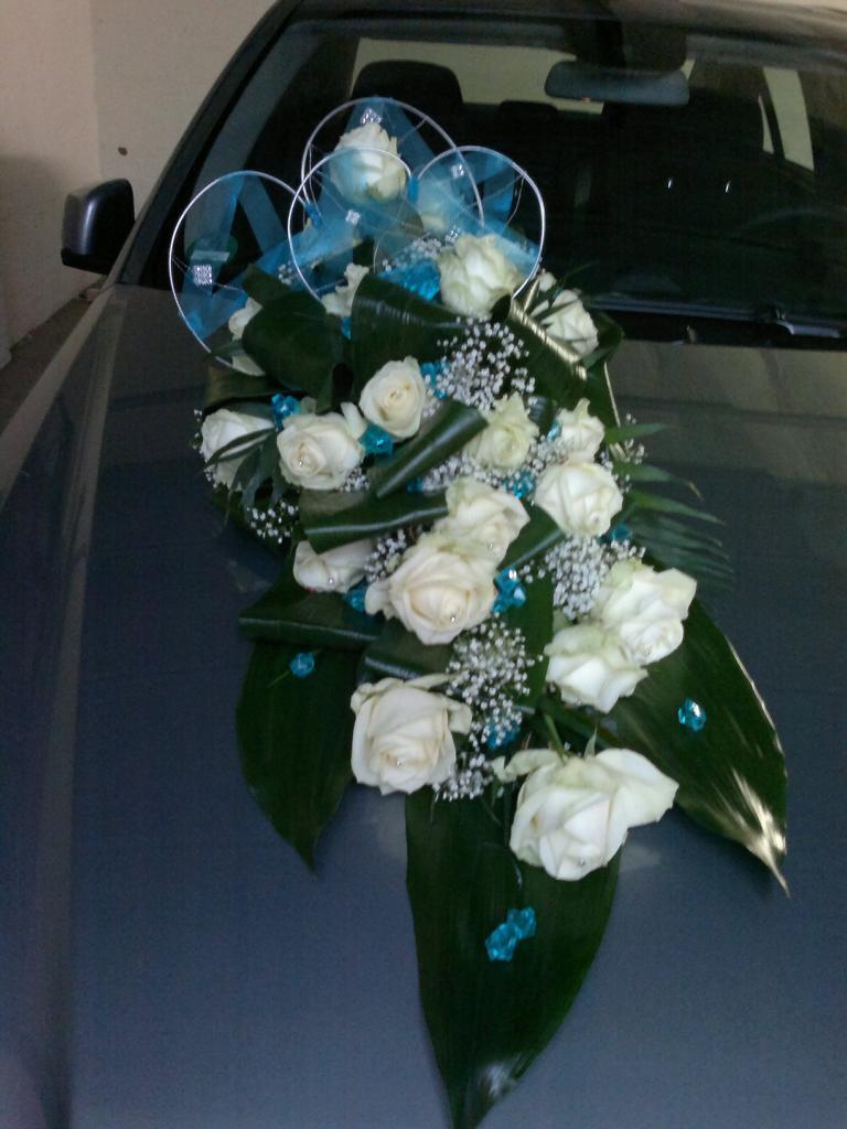 Blumendeko Fur Hochzeit In Blau Oder Turkis Vanda Deko Und Floristik