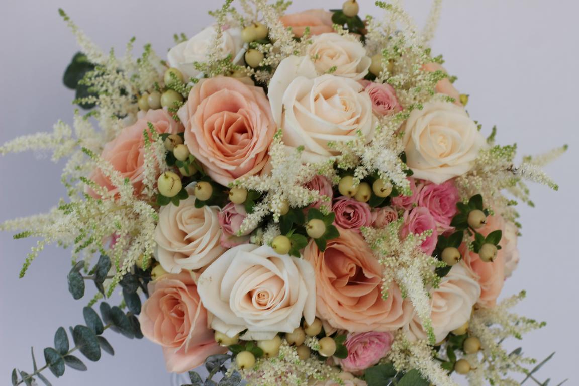 Hochzeit von Inna und Sergej in Pastellfarben