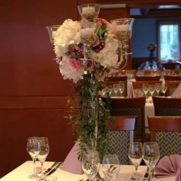 Hochzeit Blumenschmuck 2018 in Lila Rosa Pastellfarben