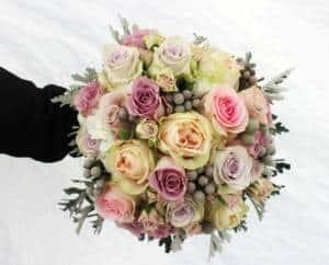 Hochzeit - Winter Saison Brautstrauß verschiedene Rosen Sorten Kappa
